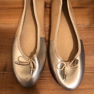 H&M gold and tan flats